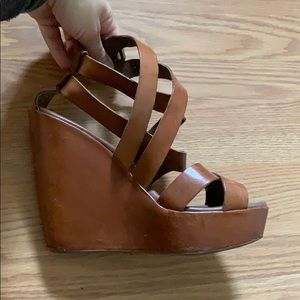 Kork-ease tan strappy wedges